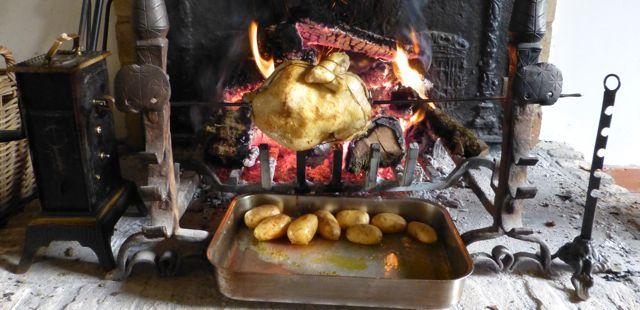 Antieke grill voor open haard
