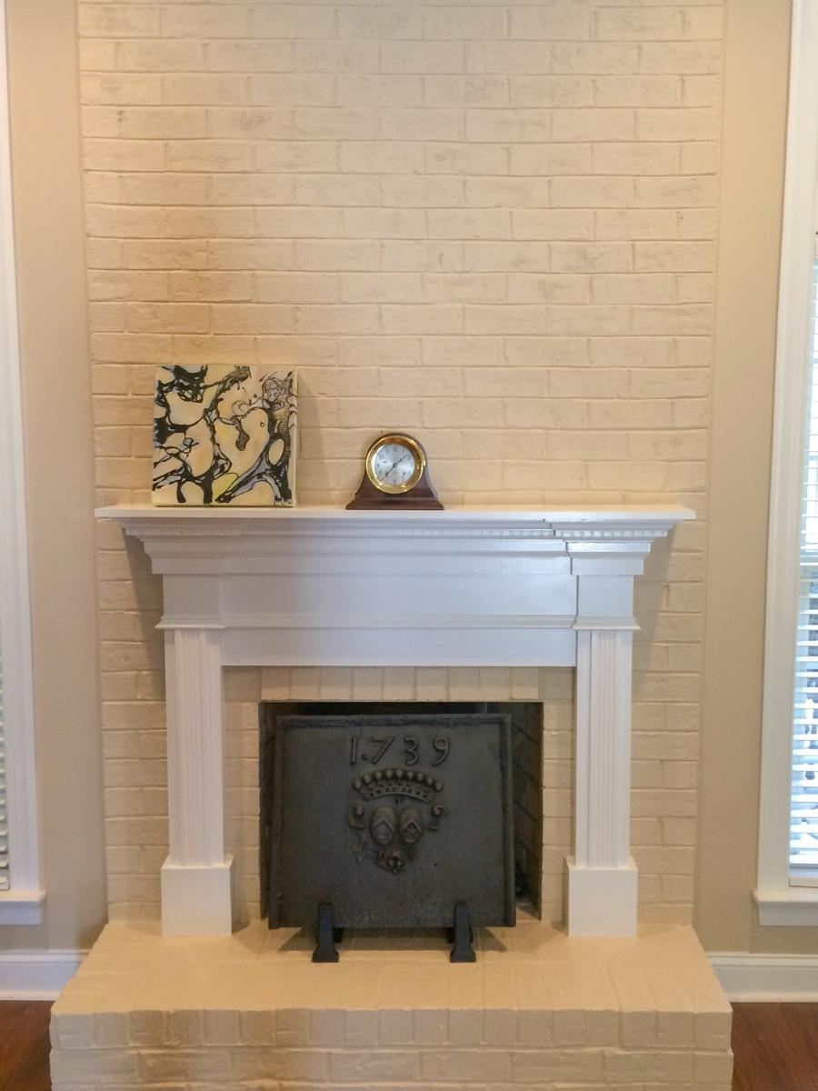 Charlotte, North Carolina: Haardplaat als spatscherm boven het fornuis, geleverd door https://www.haardplaat.com