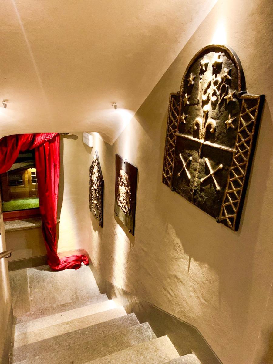 Haardplaat als decoratie in Hotel Miramonti  width=