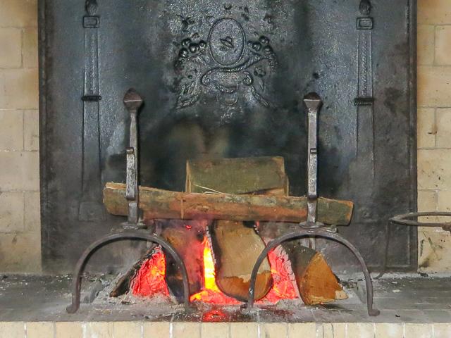 Vuurbokken geven lucht aan het vuur