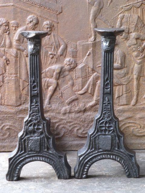 Franse gotische vuurbokken